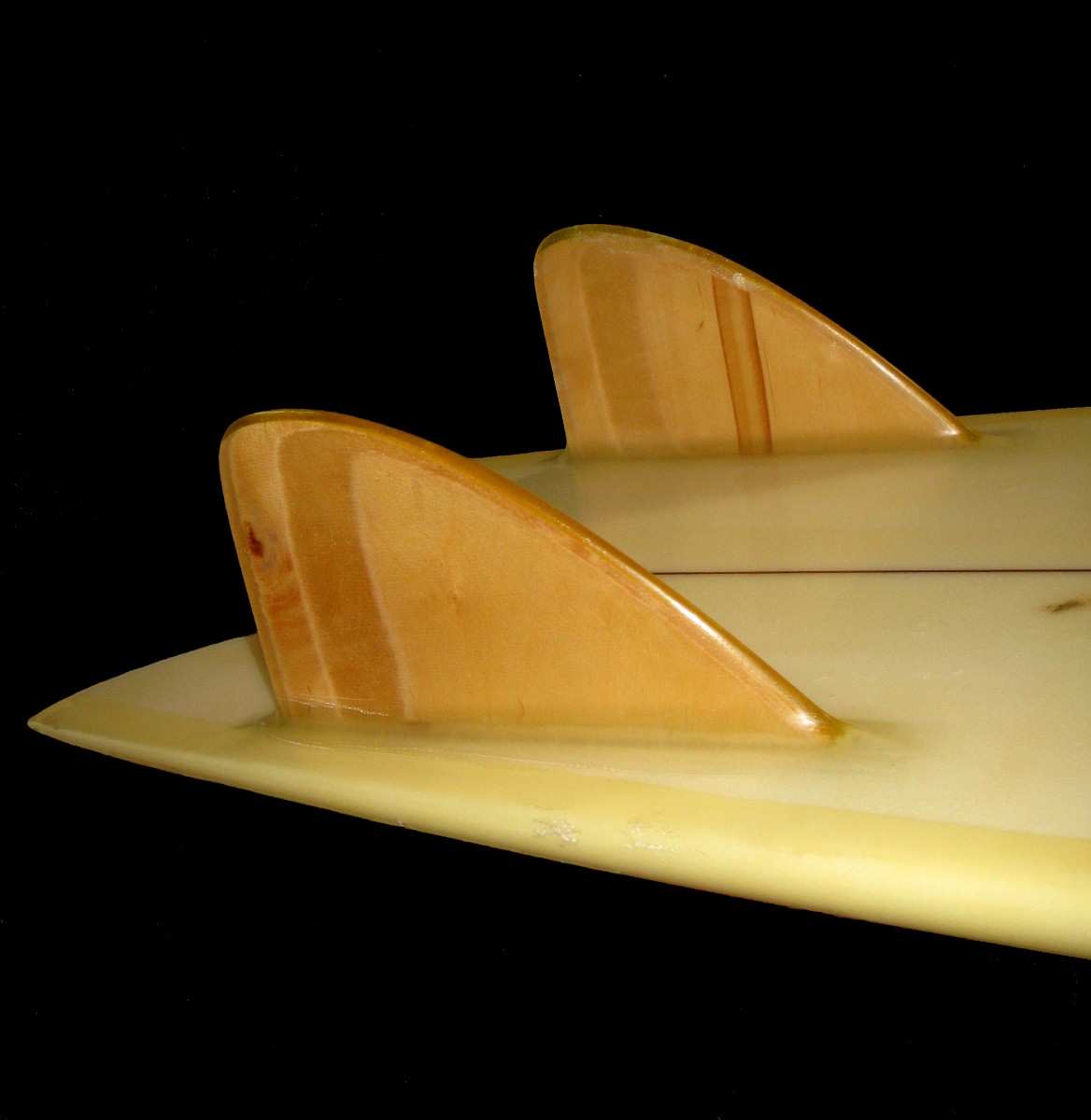 History of hydrodynamics is surfing_ Retro Twin Fin Surfboards